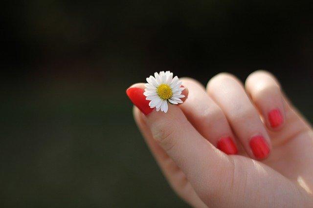 Comment prendre soin de vos ongles?