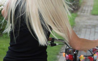 Lisser ses cheveux de façon naturelle avec le tanin