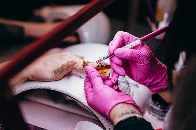 Quelles astuces pour faire pousser ses ongles?