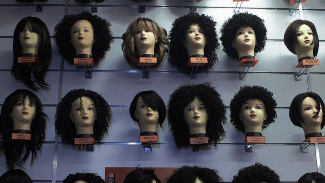 Quels sont les différents types de perruques à connaître avant de choisir ?